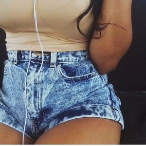 AMERICAN APPAREL HIGH WAIST ACID WASH SHORTS